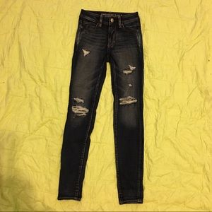 Distressed High waisted American Eagle jeans